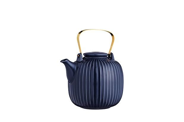 Hammershoi tea pot in Indigo