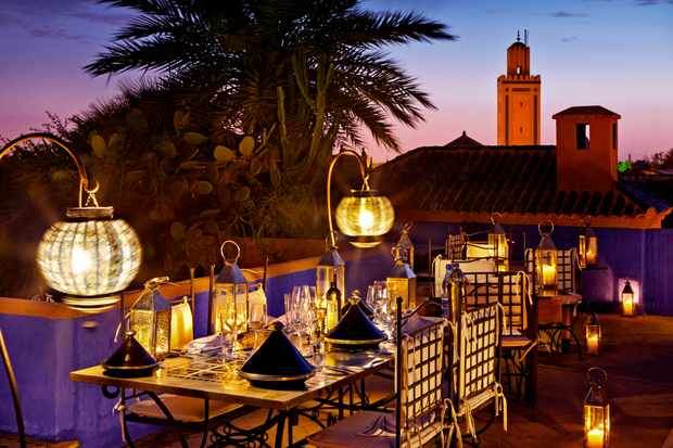 Dinner on the terrace - Photo by Riad Farnatchi