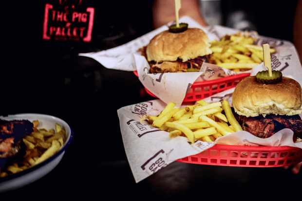 burgers and chips at The pig & Pallett