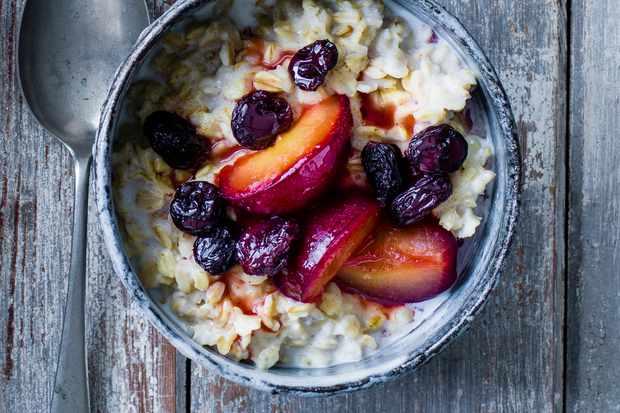 Sugar plum and raisin porridge recipe