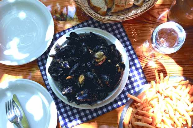 Moules frites at chez hortense, Arcachon Bay