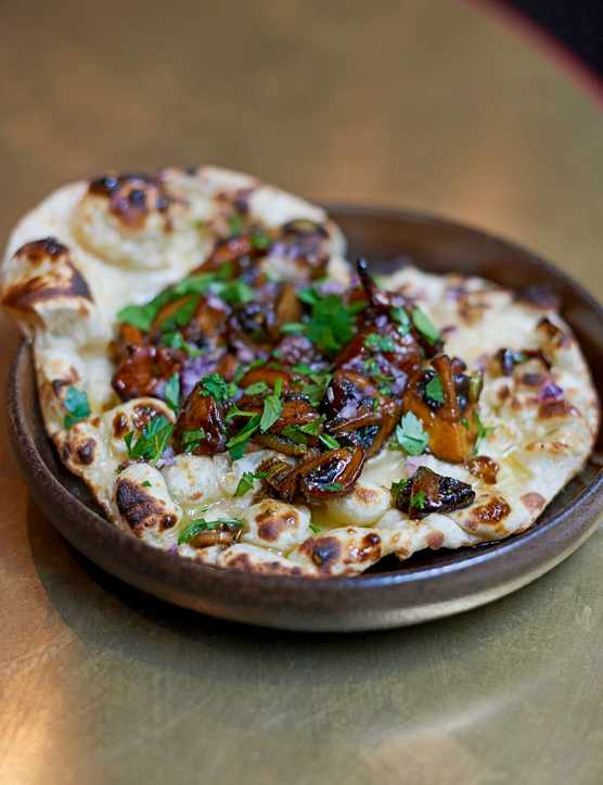 Easy Naan Bread Recipe with Mushrooms