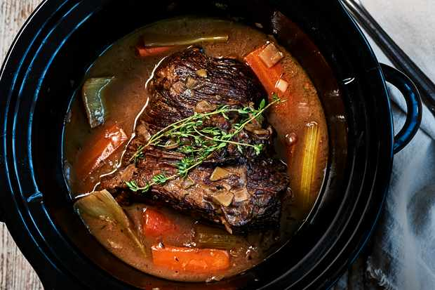 Slow Cooker Brisket Recipe with Red Wine, Thyme and Onions