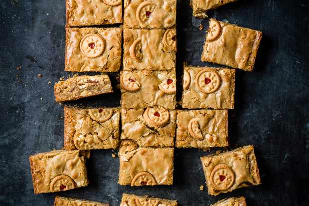 White Chocolate Blondie Recipe with Jammie Dodgers