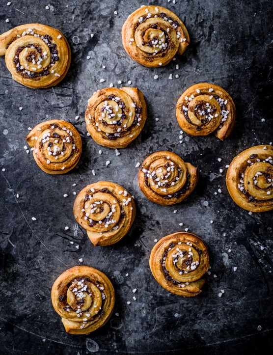Kanelbullar Recipe (Swedish Cinnamon Rolls)