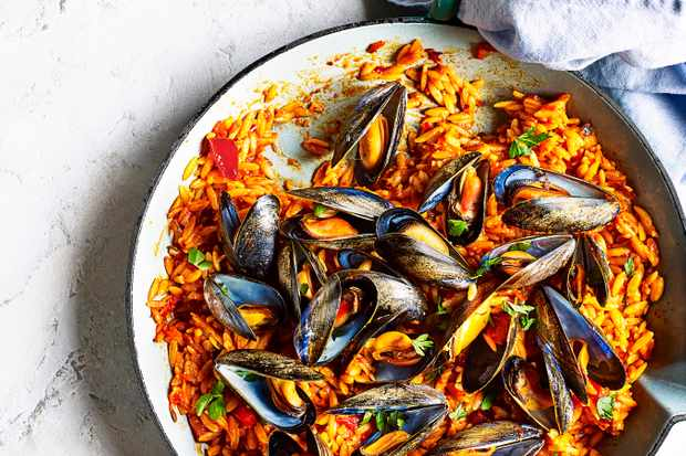 Easy Mussels Recipe with Orzo and 'Nduja