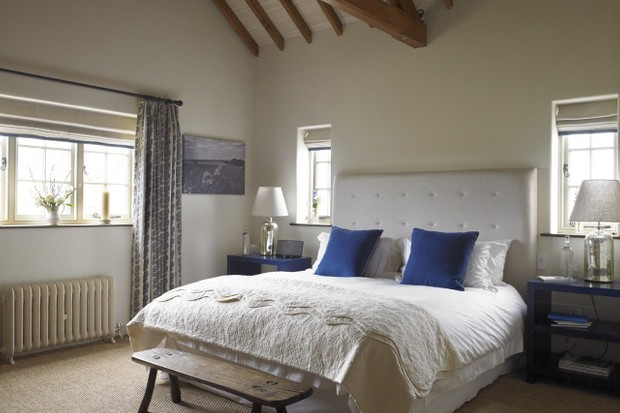 Coulston bedroom at the Three Daggers, Wiltshire