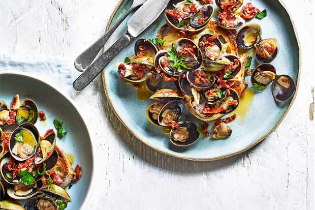 Fresh Clam Recipe with Chilli and Soughdough Toast