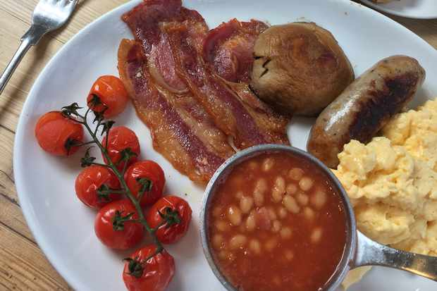 Full English Breakfast at the Three Daggers, Wiltshire