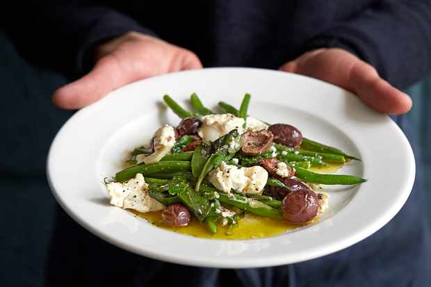 Green Beans Recipe with Fried Olives and Goat's Cheese