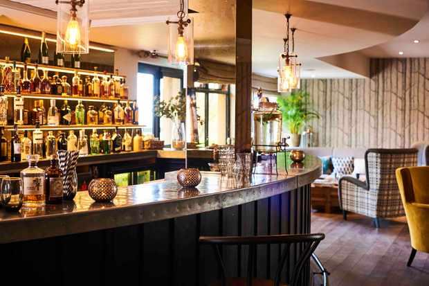 The Fish Hotel, bar