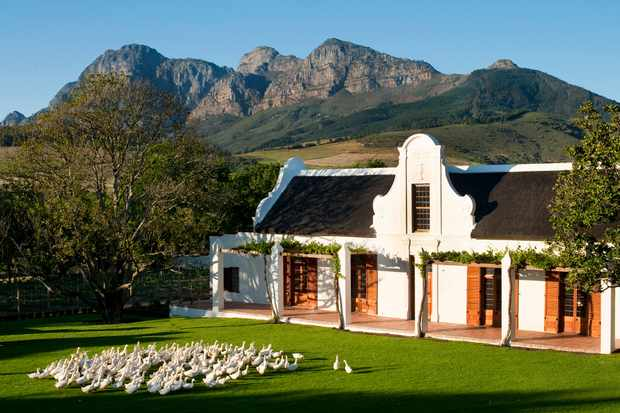 Babylonstoren farmhouse with backdrop of Simonsberg mountains, South Africa