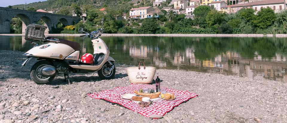 Picnics by a river at Village Castigno