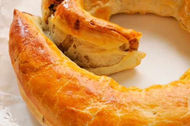A crispy presnitz pastry