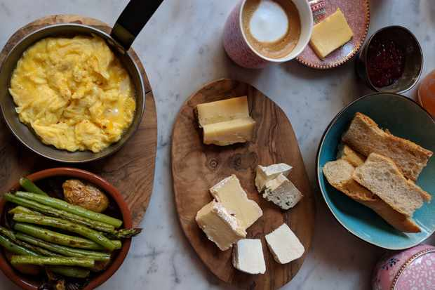 Breakfast of scrambled eggs, cheese and vegetables at Village Castigno