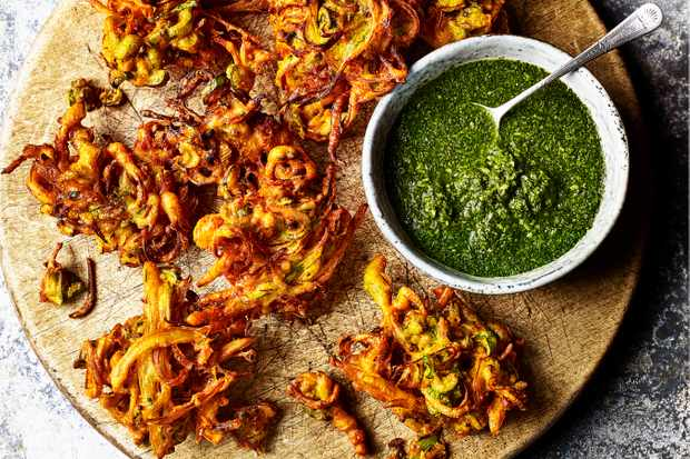 Spring Onion Bhaji Recipe with Mint and Coriander Chutney