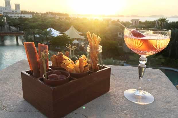 Cocktail with a view - Enjoy a folly pop sundowner at Folly Dubai