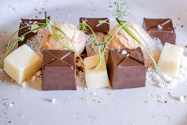 Danity little cubes of chocolate ganache and white chocolate fudge
