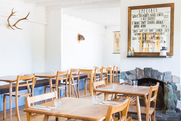 Inver restaurant interior
