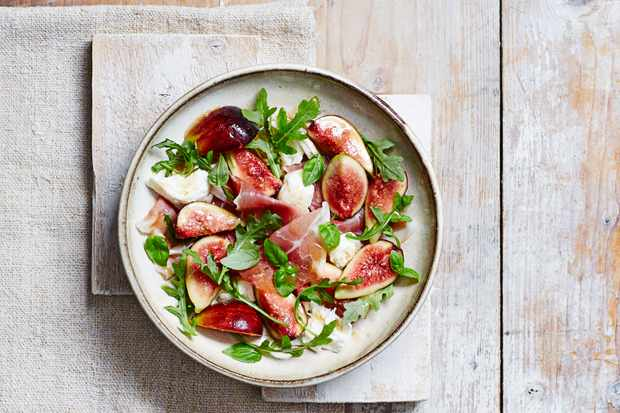 Marinated Figs with Mozzarella and Ham