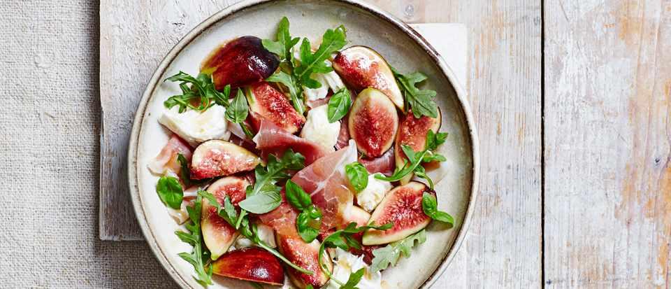 Marinated Figs with Mozzarella and Ham