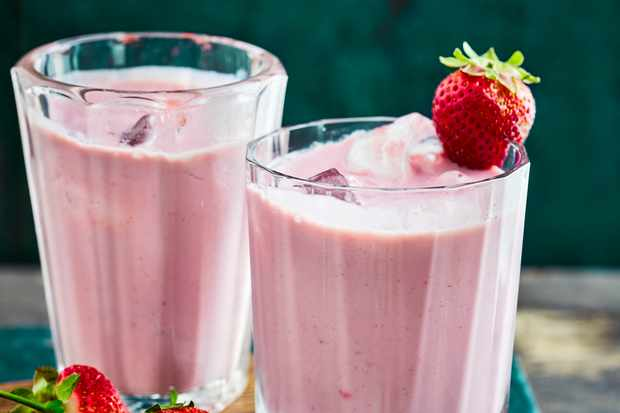 Vegan Strawberry and Banana Smoothie Recipe
