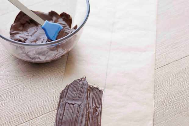 How To Make a Chocolate Collar Step 1