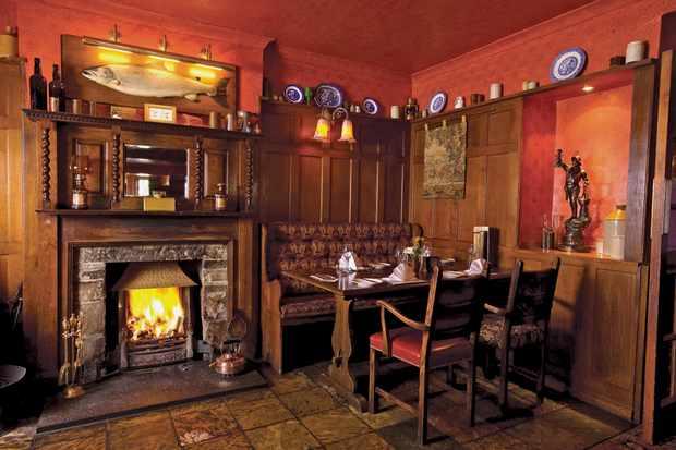 Cawdor Tavern, Nairnshire