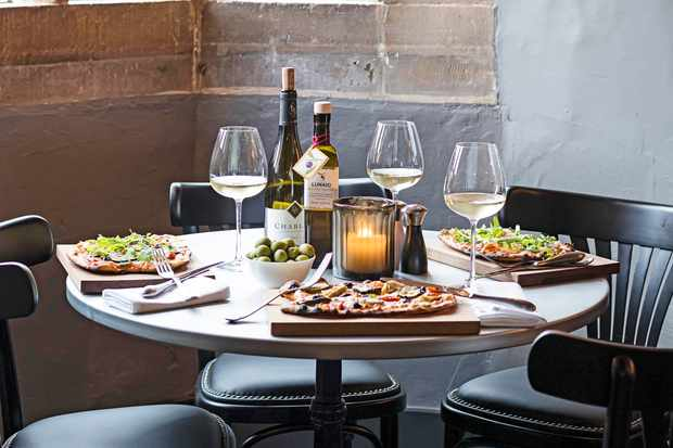 Food and Wine at The Lygon Arms, Broadway, Worcestershire