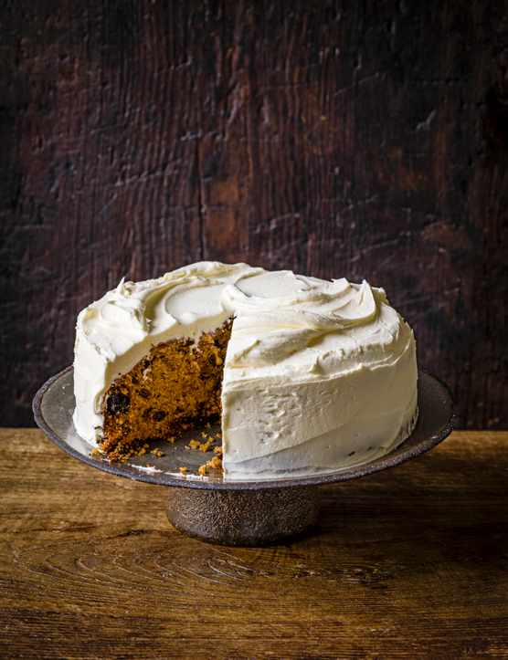 Christmas Cake Recipe with Almond Buttercream