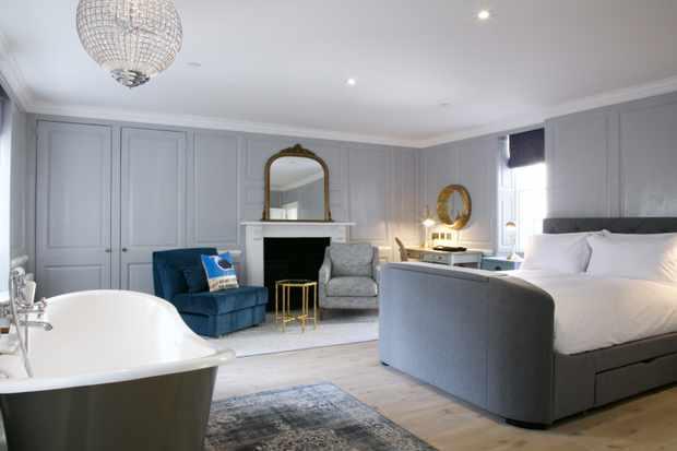 A room at Eight Bath