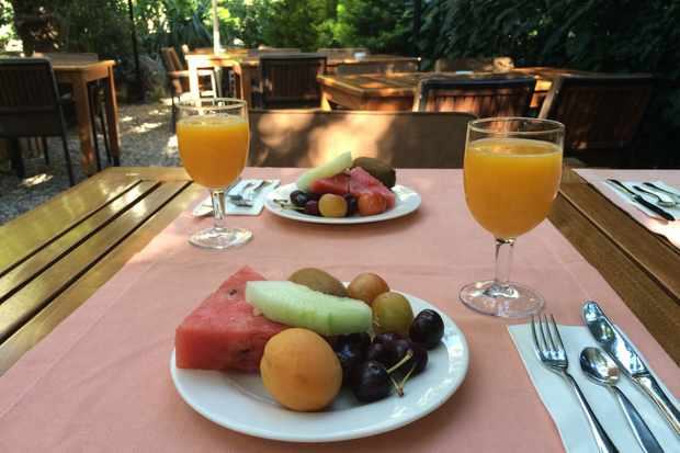 Fruit plate in a courtyard table at Hotel Azur Turkey