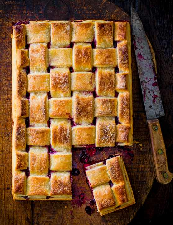 Apple Slab Pie Recipe with Berries