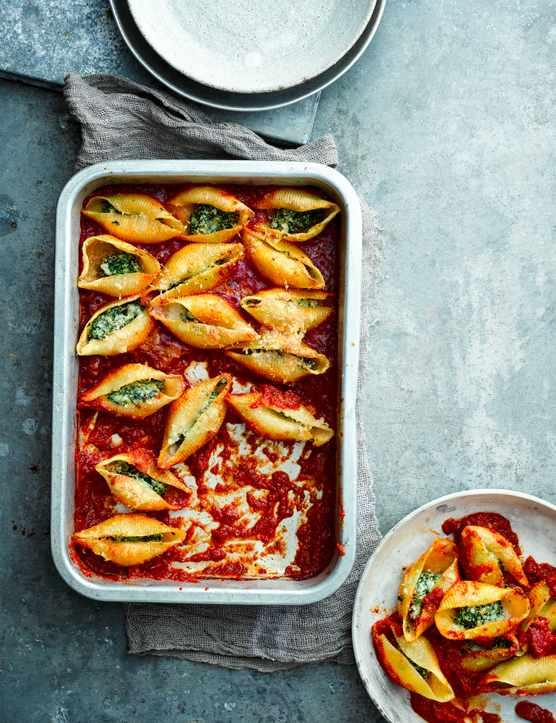 Stuffed Pasta Shells Recipe with Spinach and Ricotta
