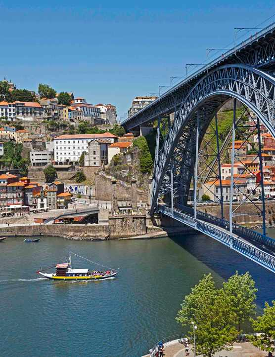 Dom Luis I bridge, Porto, Portugal.