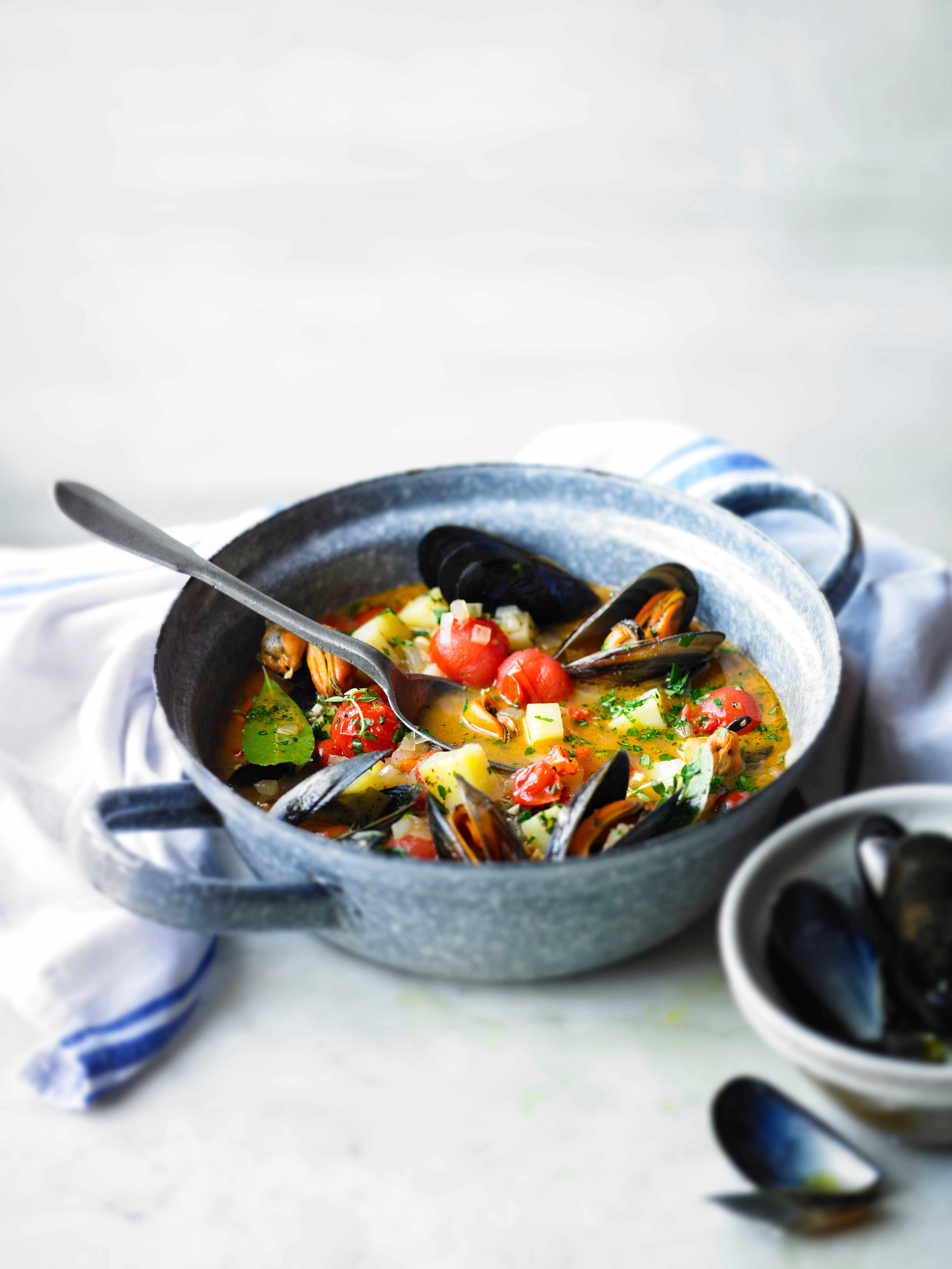 Mussel Chowder Recipe with Tomatoes