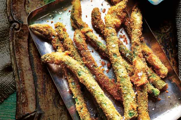 Breaded Asparagus Recipe with Saffron Yogurt