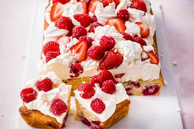 Eton Mess Tray Bake Recipe