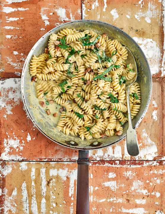 One Pot Pasta Recipe with Pancetta and Parmesan