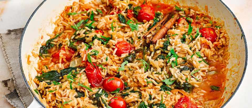 Spinach Rice Pilaf Recipe with Tomatoes and Lemon