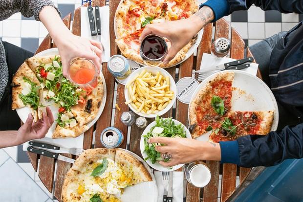 رستوران پیتزا در سراسر انگلستان برای پیتزا و پیتزا لندن در انگلستان