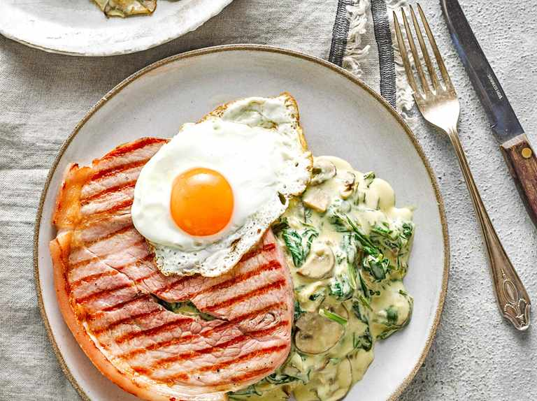Chargrilled gammon with creamy spinach and mushrooms