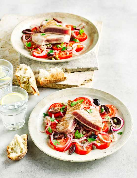 Quick Tuna and Tomato Salad Recipe with Olives