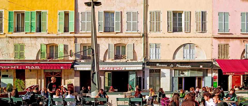 Restaurant 's terraces and coloured facades, Cours Honoré Estienne d'Orves