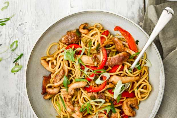 Sticky Chicken and Noodles Recipe with Red Pepper