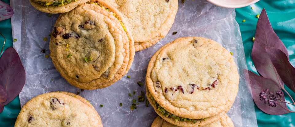 Cranberry and pistachio sandwich cookies