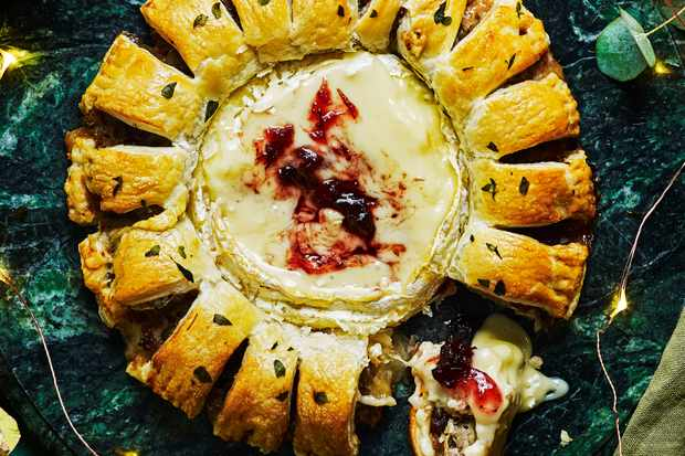 Puff Pastry Sausage Rolls Recipe with Cheese