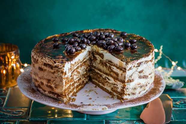 Remarkable 29 Best Boozy Cakes Gin And Tonic Cake Mojito Cake Olivemagazine Personalised Birthday Cards Xaembasilily Jamesorg