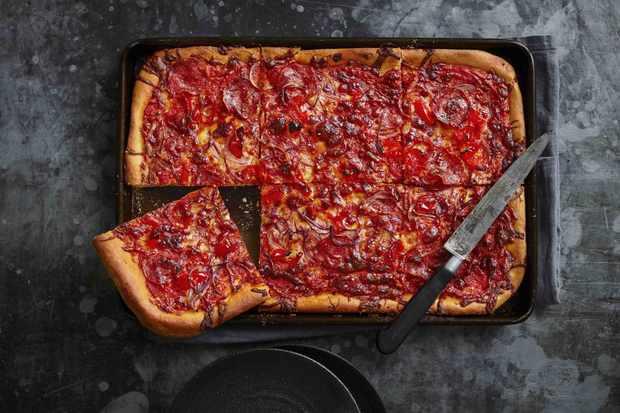 """Recette de tarte à pizza grand-mère """"title ="""" Recette de tarte à pizza grand-mère """"/> <body></p> <p><em> Essayez notre recette de tarte à pizza facile à découvrir ou découvrez d'autres <a href="""
