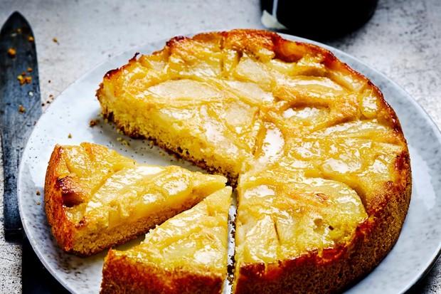 Gâteau aux poires au beurre noisette